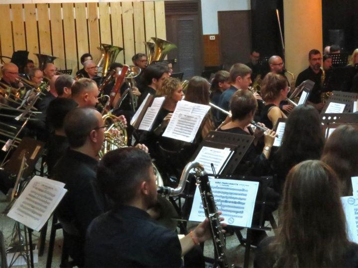 La Banda Simfònica del CIM de Benimaclet ja té nova direcció: començarà la nova etapa amb la jove directora Olga Clari.