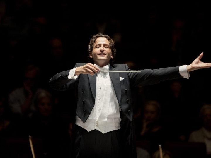 Gustavo Gimeno al cim mundial dels directors d'orquestra: un nom que heu de conèixer i recordar per al present i per al futur.
